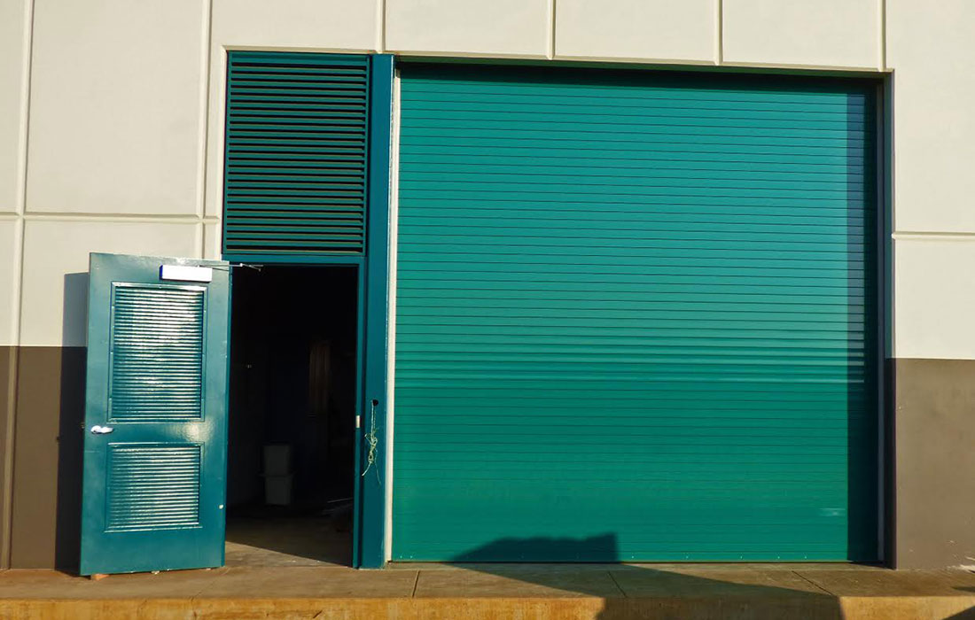 Raynor Hawaii Commercial Garage Doors